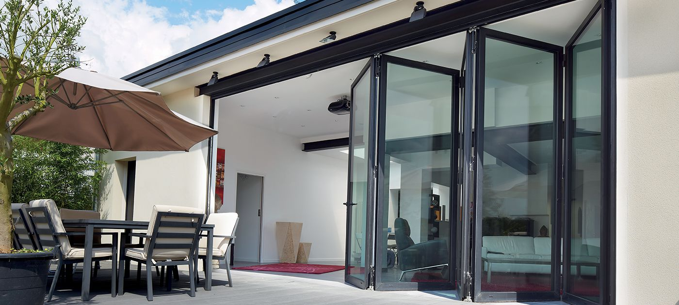 Aluminium bifold doors open up your home for the ultimate entertainment area & Aluminium Bifold doors Bifolding doors - Reynaers at Home Pezcame.Com