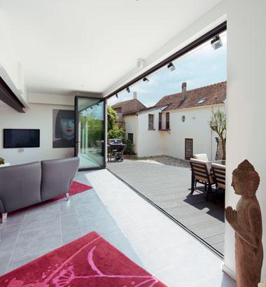 folding-patio-doors-third-3