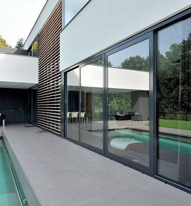 Aluminium-windows-allow-light-to-flood-into-your-home-4725