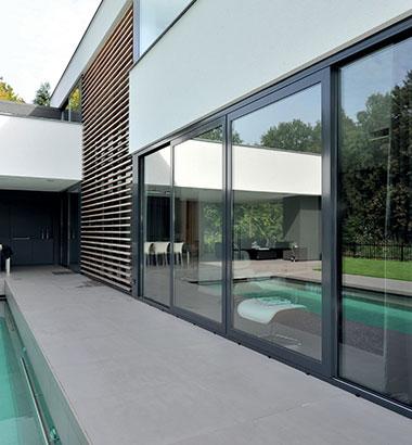 Aluminium-windows-allow-light-to-flood-into-your-home-4725