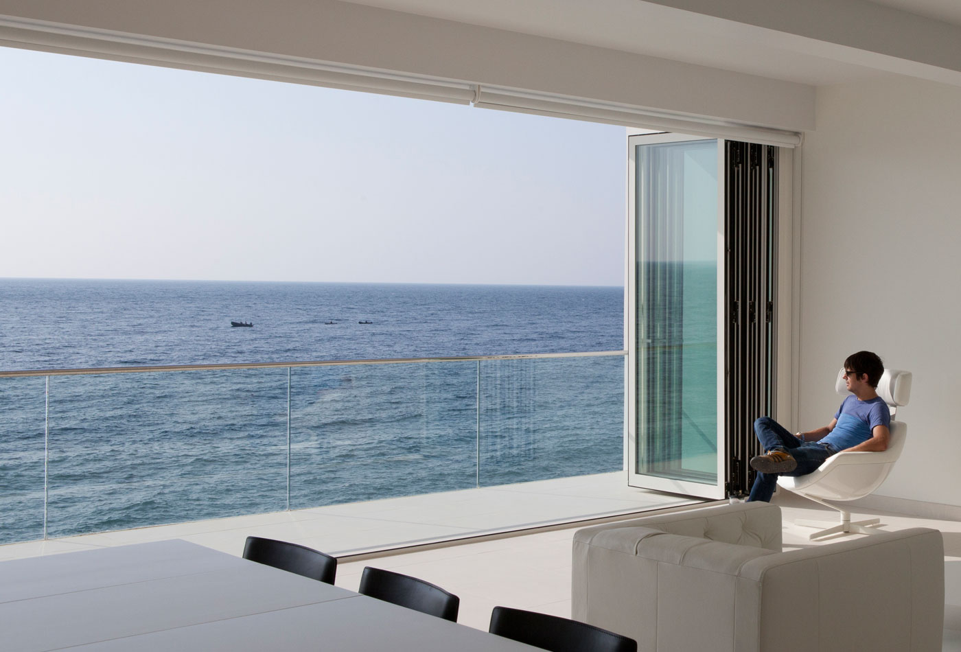 Folding patio doors: perfect for a balcony - Reynaers At Home