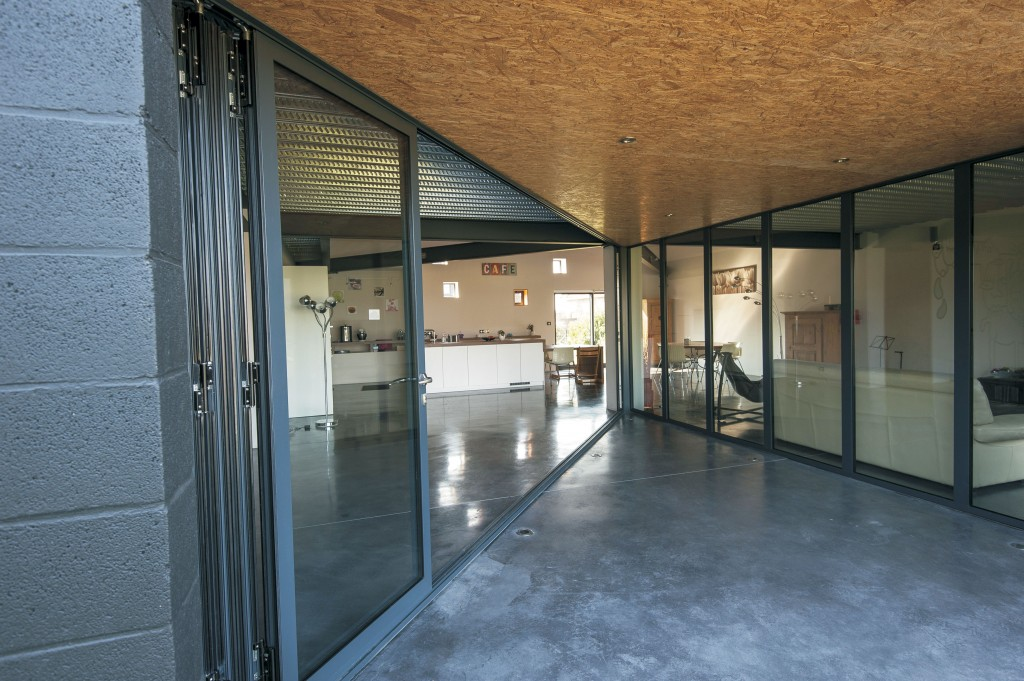 sliding folding doors for an industrial chic look reynaers at home