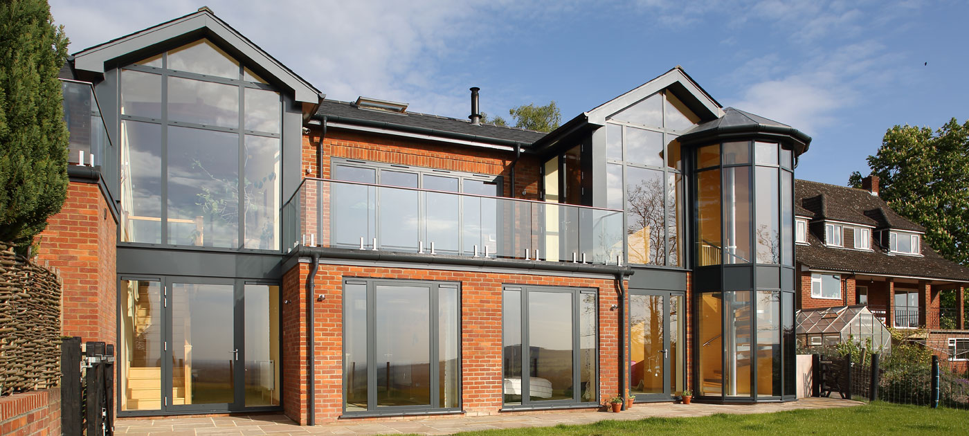 Aluminium glazed walls have very striking applications as well as panoramic windows