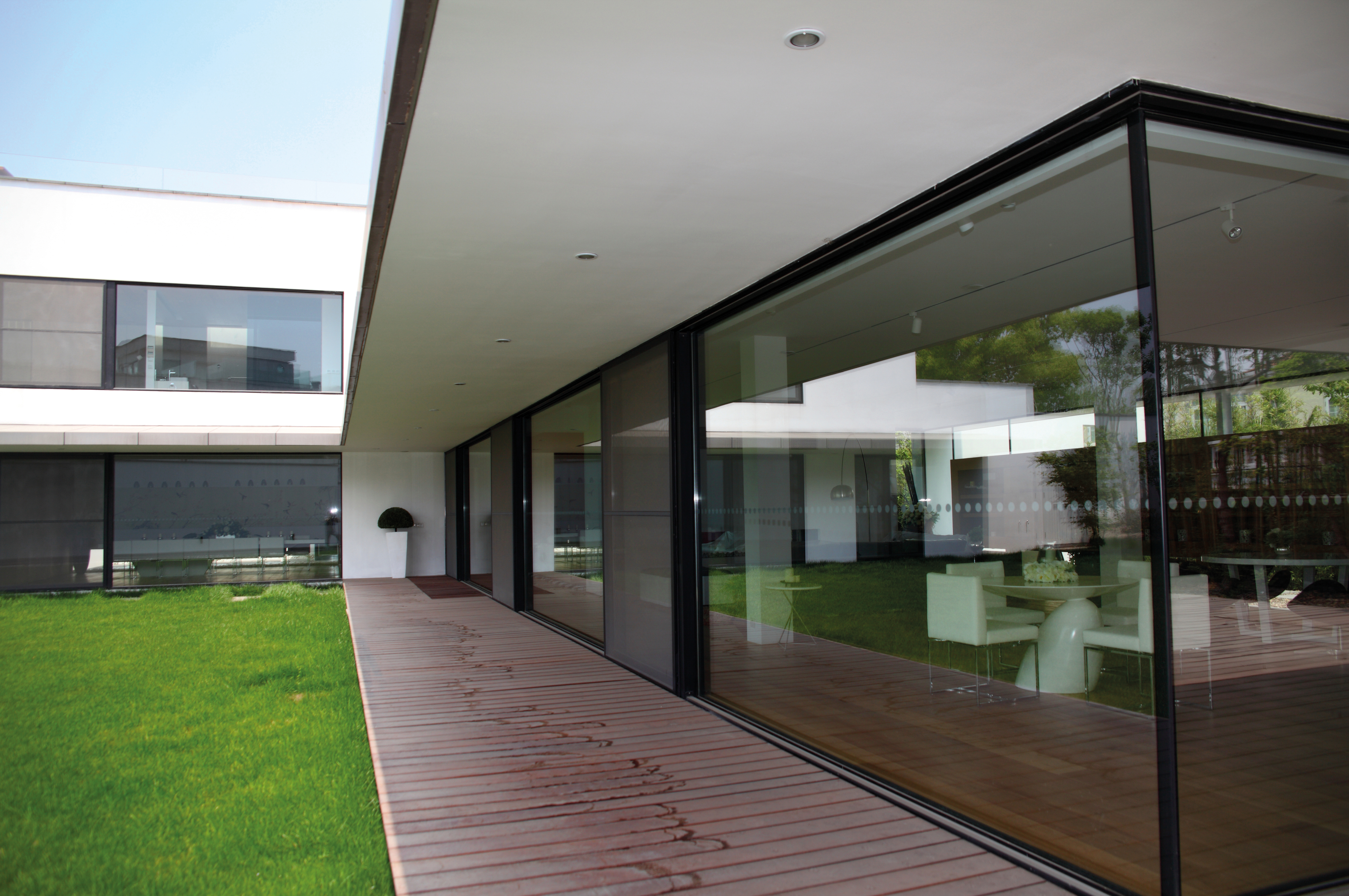 Toughened Glass Or Laminated Glass Reynaers At Home