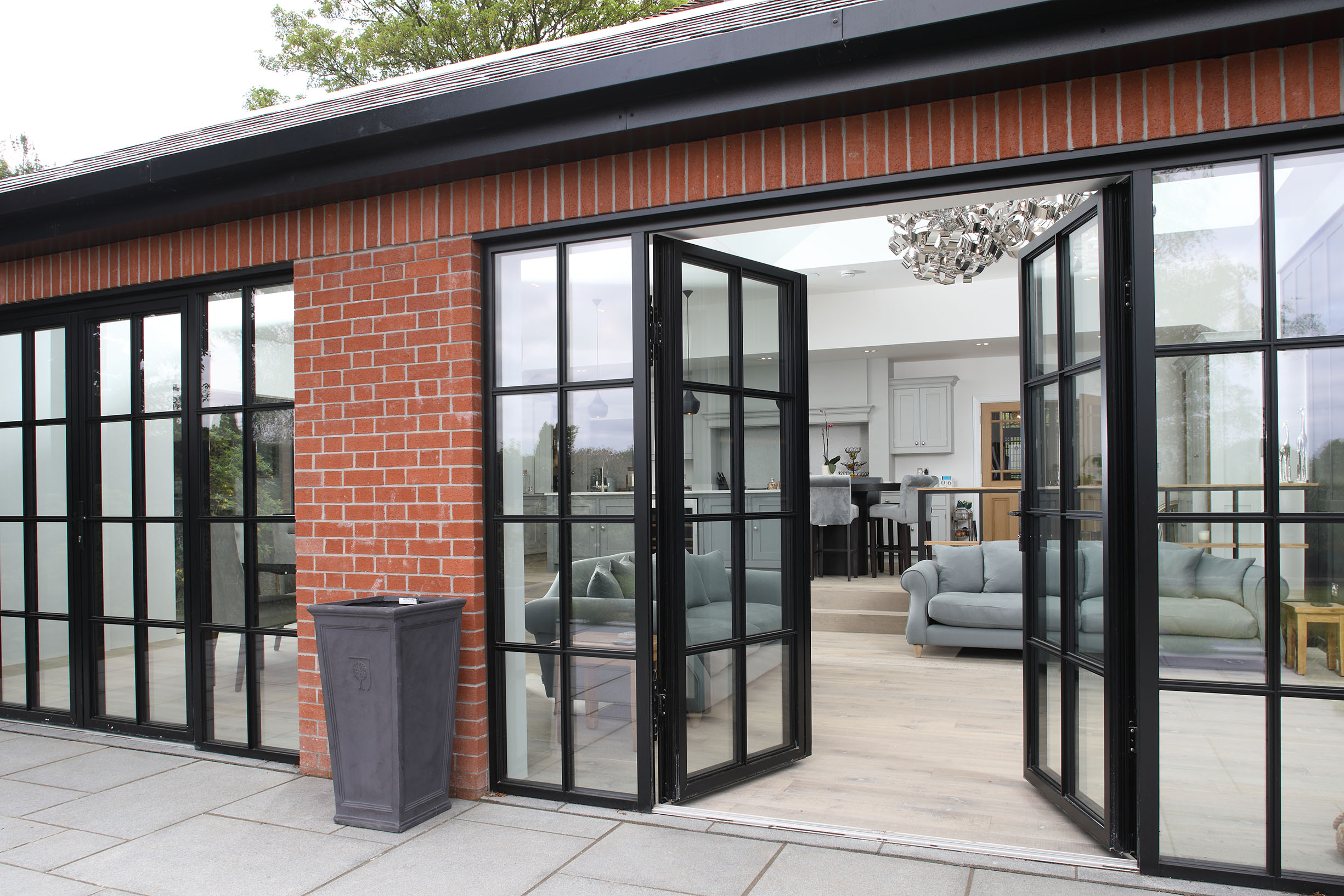 new product f8a30 f7c39 Aluminium Bifolds Or Sliding Doors? | News | Reynaers At Home